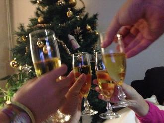 El consumo de alcohol interrumpe el crecimiento del menor