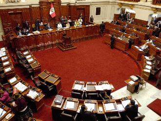 César Acuña será citado al Congreso por presuntos delitos de corrupción