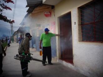 Piura: multarán a pobladores que no permitan fumigación en Máncora