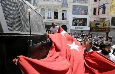 Turquía: piden 23 años de cárcel a periodista por