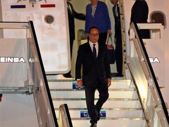 Hollande pide al Consejo Constitucional que examine ley de espionaje