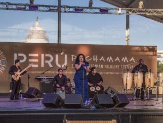 Eva Ayllón deslumbra con su voz en Estados Unidos