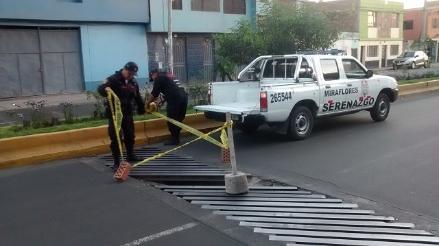 Hueco se observa en transitada avenida en Arequipa