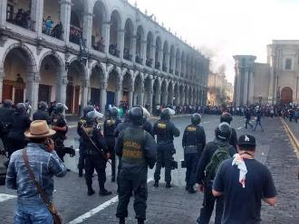 Arequipa: continúa plan piloto de peatonalización de la plaza de armas