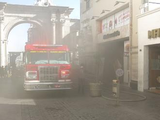Arequipa: controlan incendio en restaurante del centro