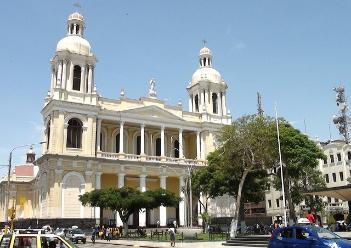 Tres sacerdotes renuncian sus labores en catedral de Chiclayo