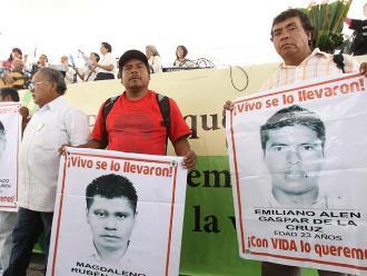 México cierra con éxito jornada cultural por 43 estudiantes desaparecidos