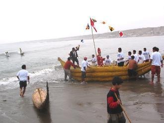 Con procesión en el mar celebran el Día del Pescador en regiones del país