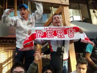 Perú vs. Chile: 'Bicolor' fue alentada en su camino al Nacional de Santiago