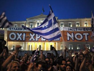 Miles de griegos se manifiestan en favor del