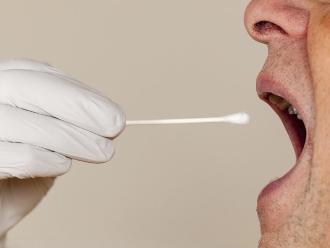 México: nanobiosensor detecta cáncer de mama con saliva