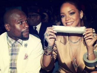 Rihanna le tapó la boca a Floyd Mayweather