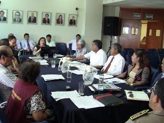 Chiclayo: autoridades se reúnen para regular venta de licor