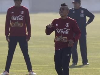Christian Cueva: Colo Colo y Universidad de Chile se pelean por el volante