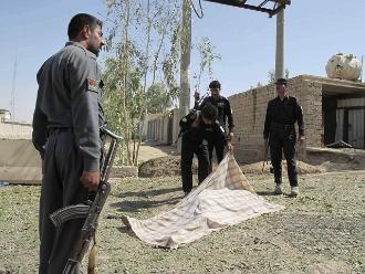 Afganistán: al menos 50 muertos en ataque talibán a puestos de control