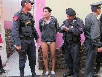 Huancayo: pobladores bañan y golpean a un ladrón de celulares