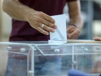 Grecia espera con calma y expectativa el resultado del referéndum