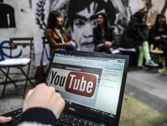 YouTube: condenan a bloguero de 16 años en Singapur por vídeos ofensivos