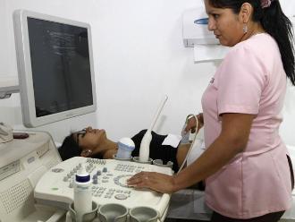 No provoca cáncer la radiación que recibe la tiroides por mamografía