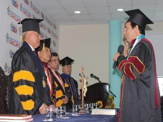 Juramenta nuevo rector de la Universidad de Chiclayo