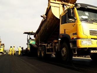 Apurímac: inician asfaltado de carretera Andahuaylas-Huancabamba