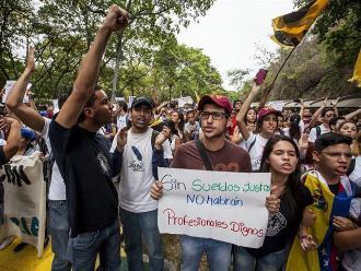 Encuestadora: Más de 84 % de los venezolanos cree que el país está mal