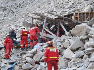 Realizarán misa al cumplirse un mes del trágico derrumbe en Churín
