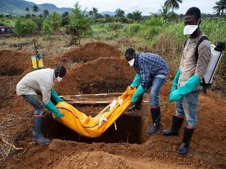 OMS: Llevará muchos meses más poner fin a epidemia de ébola