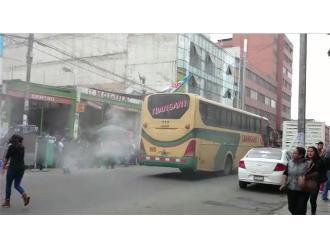 WhatsApp: casi se incendia bus con pasajeros en el Cercado de Lima
