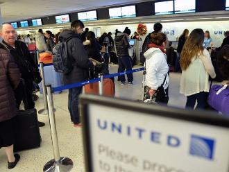 Suspenden todos los vuelos de United Airlines por fallo informático