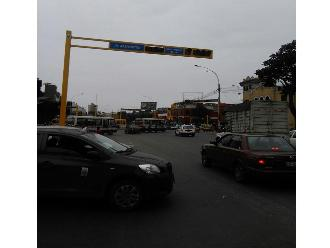 WhatsApp: Semáforos averiados genera caos vehicular