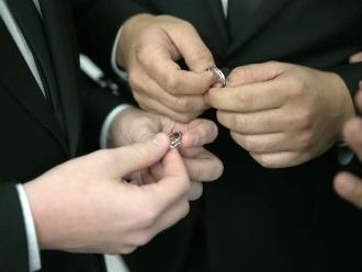 EEUU: Los homosexuales tendrán beneficios matrimoniales en todo el país