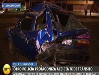 VES: Suboficial PNP provoca choque entre vehículos
