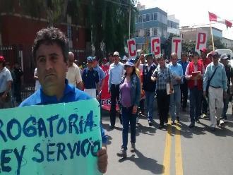 Realizan multitudinaria marcha de CGTP por calles de Chiclayo