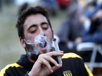 Cáncer y disfunción eréctil ligados al consumo de marihuana