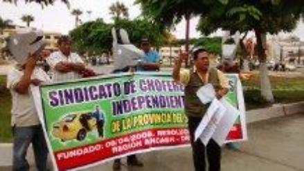 Chimbote: taxistas exigen reducción de costo de tarjeta de circulación