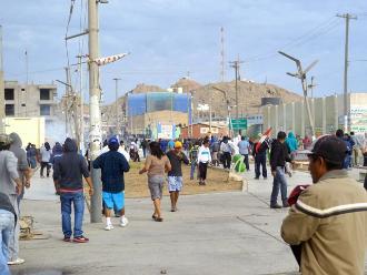 Oxapampa: enfrentamiento entre cocaleros y policías deja 15 heridos