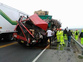 Barranca: choque frontal entre trailer y camión dejó un muerto