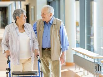 Osteoporosis: hábitos que dañan tus huesos a cualquier edad