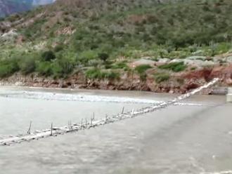 Ollanta Humala inicia construcción de puente en límite con La Libertad