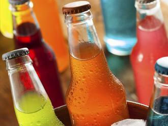 Consumo de bebidas azucaradas influye en aparición de enfermedades crónicas