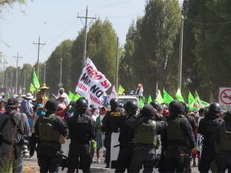 Pasco: Policía Nacional realiza repliegue de manifestantes en Oxapampa