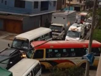 WhatsApp: Obras bloquean a vehículos de emergencias en Santa Anita