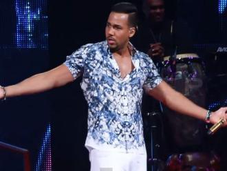 Romeo Santos insulta a Donald Trump durante su concierto