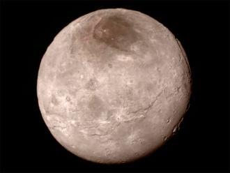 New Horizons envía nuevas fotos de Plutón y dos de sus lunas