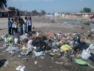 Piura: moradores del AA.HH. 31 de Enero exigen limpieza de dren
