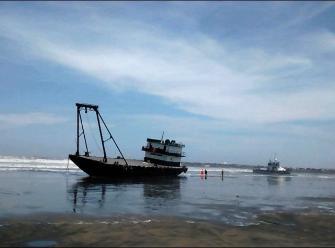 Suspenden actividades portuarias por oleajes anómalos en puerto Salaverry