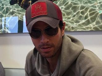 Enrique Iglesias arrasa con los Premios Juventud en Miami