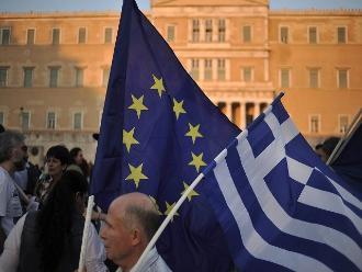 La Unión Europea le lanza un salvavidas financiero más a Grecia
