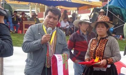 Cusco: entierran alcalde y chofer asesinados en Accha